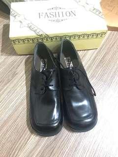 🚚 出清特價-全新少女鞋