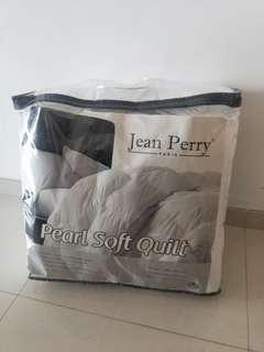 Jean perry pearl soft quilt (queen)