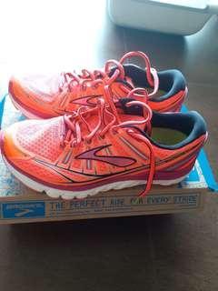 Brooks Transcend Women 跑鞋 全新US8