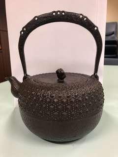 Iron Cast Teapot -Iwachu