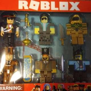 BRANDNEW 6pcs ROBLOX TOY with WEAPONS and SKATEBOARD