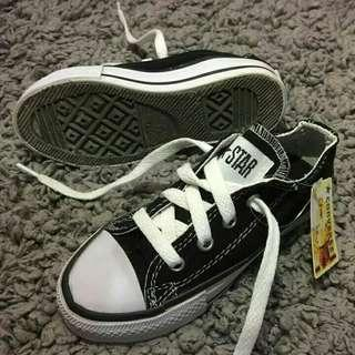 Converse low for kids