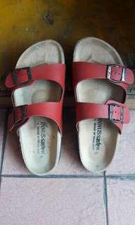 Sandal merk innustar red