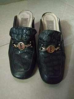Sepatu Elle - original