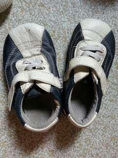 Branded baby's leather shoes