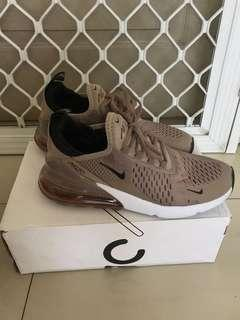 Sneakers Nike Air 270 brown