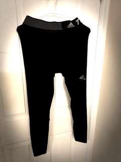 🚚 ADIDAS 路跑束褲 黑色M號 兩件一起賣