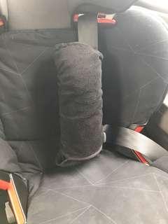 Shoulder seatbelt pad / support