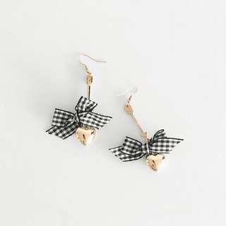 Gingham black and white heart earrings