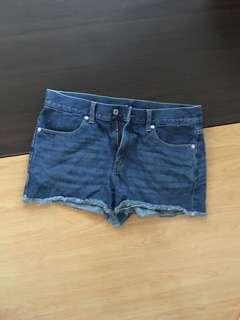 🚚 Gu牛仔短褲