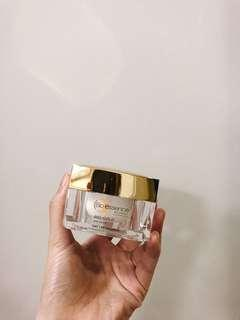 BIO ESSENCE Bio-Gold Day Cream SPF25