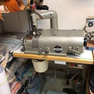 [結束工作室]鏟皮機,電腦衣車 共兩部