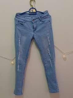 #3x100 Skinny Ripped Jeans