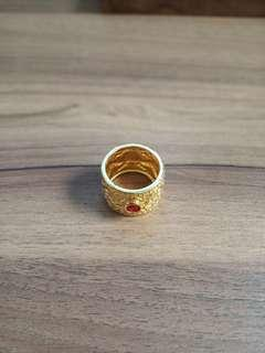Gold ring size 7-8