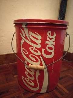 可口可樂鐵桶 內可儲物 可當櫈坐