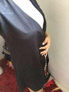 Outer Hardware hitam