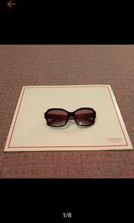 🚚 COACH 時尚 愛心裝飾 經典黑 太陽眼鏡 墨鏡