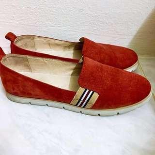 (Free postage!) Red Slip-Ons
