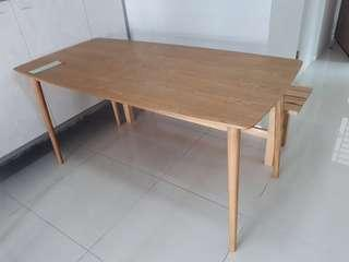 Beautiful oak wood nordic style dining table
