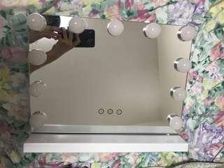 Led燈座枱化妝鏡(有黃/白/自然燈)可調節光度