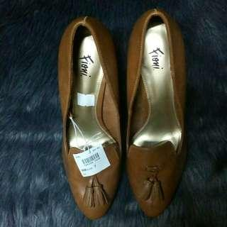 Fioni Leather Brown Heels