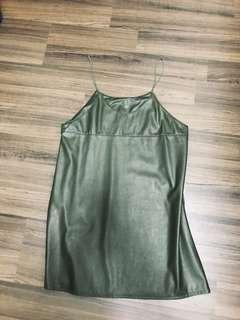 🚚 軍綠皮質細肩吊帶洋裝