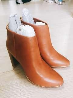 Ted Baker Ankle Boots(真皮)