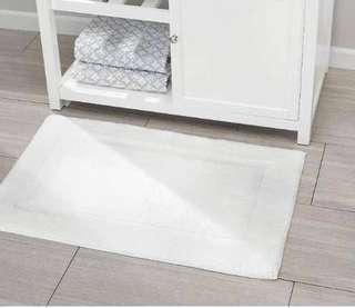Hotel style floor mat