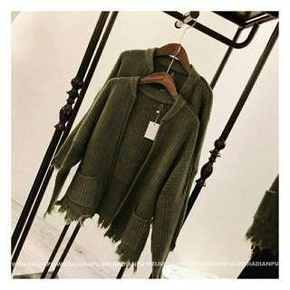 🚚 秋冬豎型坑條撕邊感毛衣外套