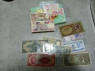 13 Pcs World Banknotes