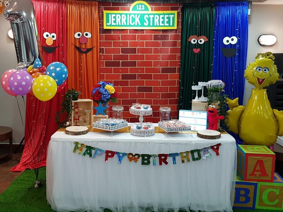 Groovy 1St Birthday Sesame Street Backdrop Table Decor Design Interior Design Ideas Tzicisoteloinfo