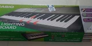 Casio Electronic Keyboard LK-125 with light