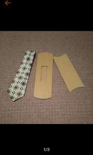 🚚 全新 鏤空 牛皮 領帶盒 派盒 絲巾盒 手帕盒 領帶包裝