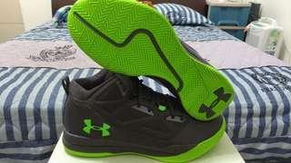 🚚 UNDER ARMOUR 籃球鞋 耐操 US 11