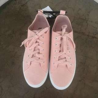 STORE CLOSED H&M Blush Sneakers