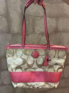 🚚 Coach Tote Bag - authentic preowned