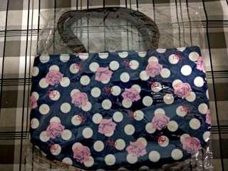 Navy blue lunch bag with roses
