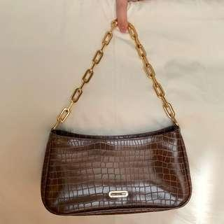 Guess shoulder chain handbag