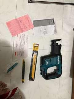 makita saw DJR188Z