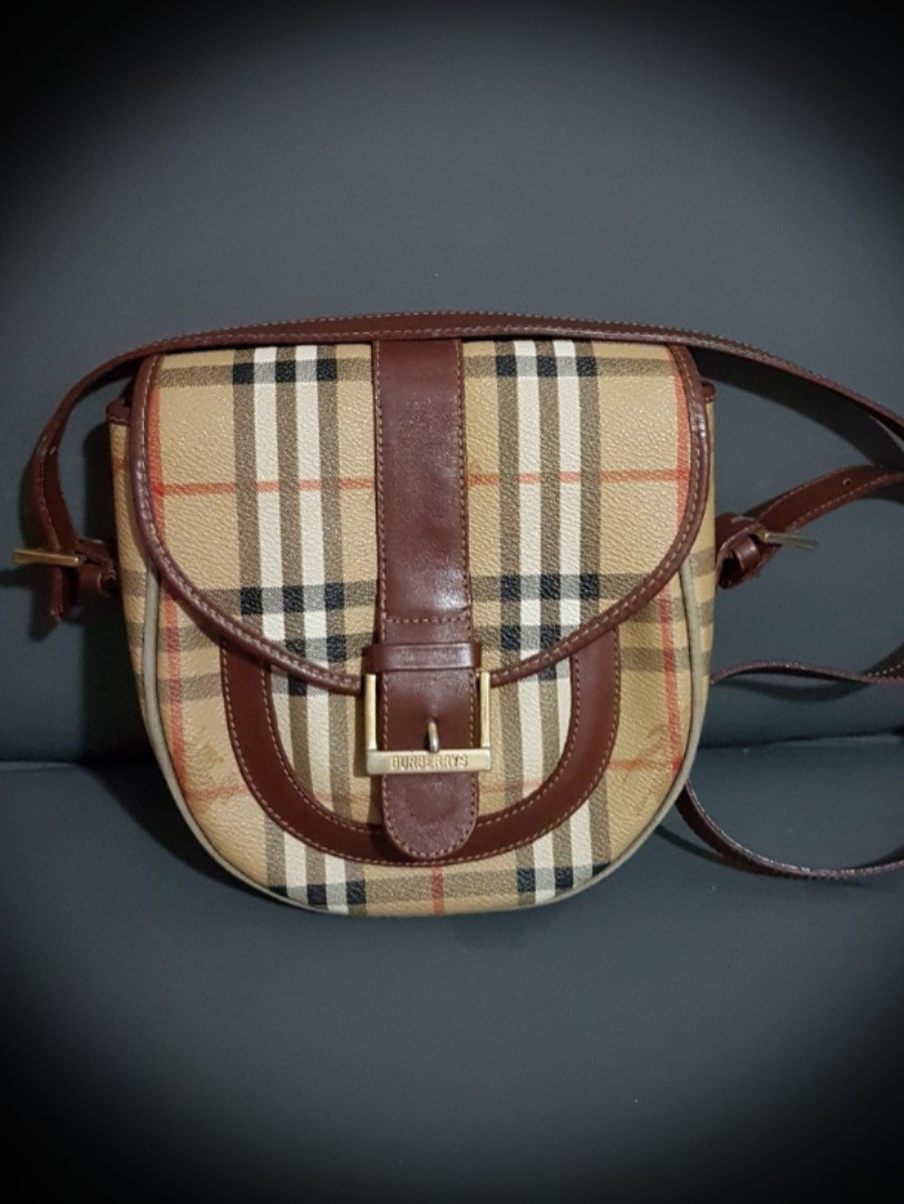 182bfed20fba Authentic Burberrys Vintage Sling Bag