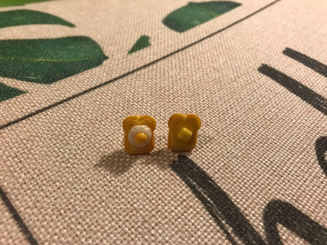Egg and butter toast earrings