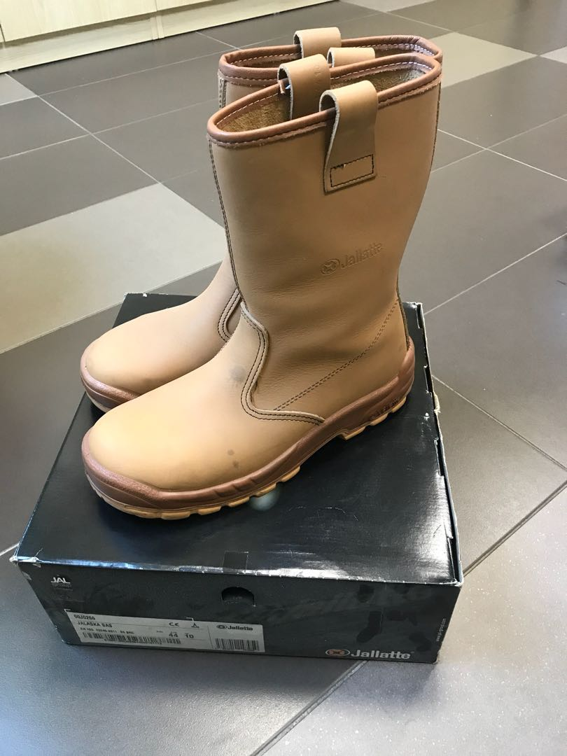 c9b6429ae48 Jallatte Safety Boots, Men's Fashion, Footwear, Boots on Carousell