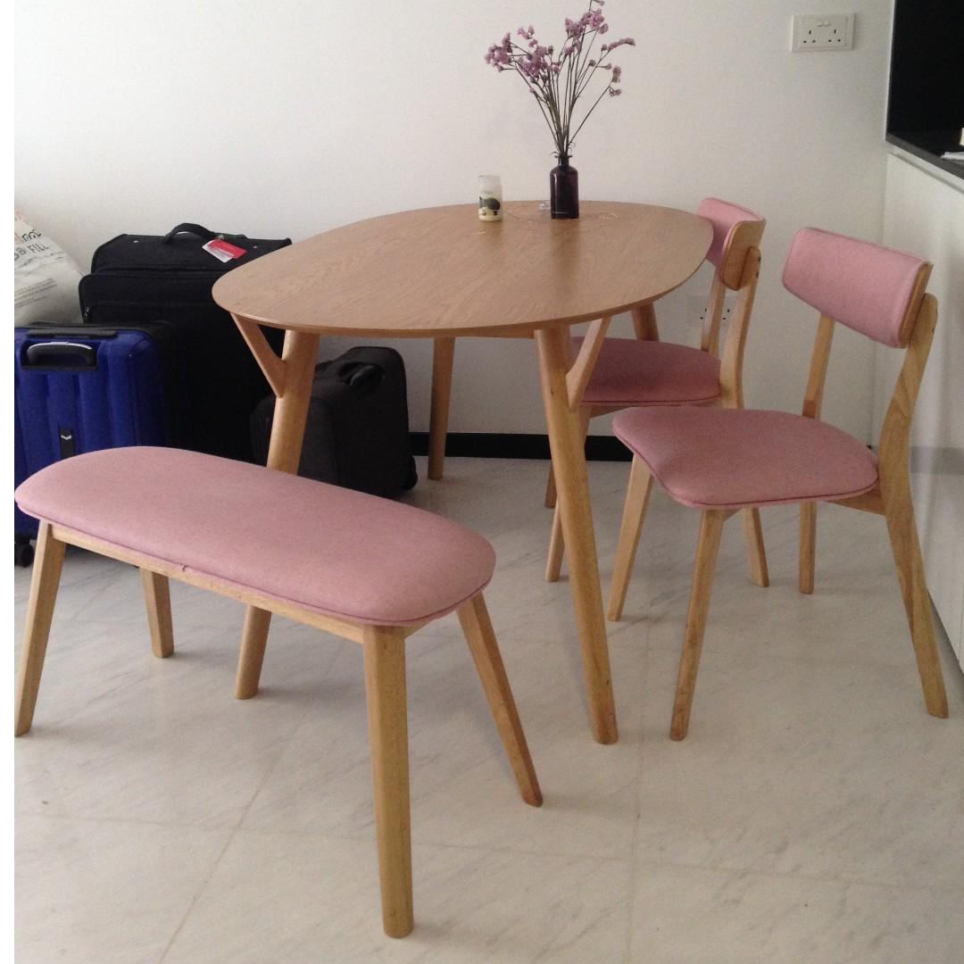 Picture of: Pink Dining Set Furniture Tables Chairs On Carousell