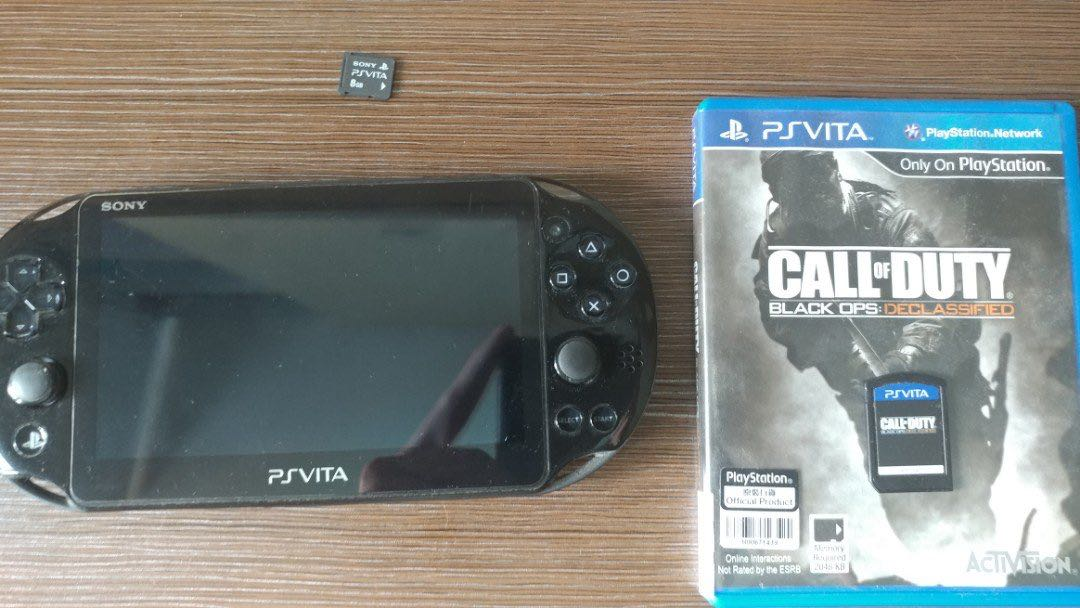 Ps Vita PCH-2006 with game and memory card