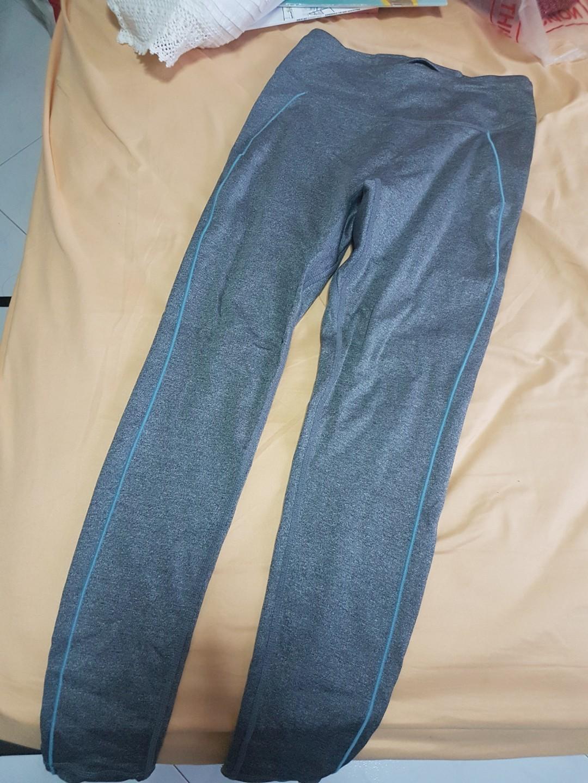 ac2f52d796df78 Uniqlo leggings/long pants dry fit ( exercising or leisure), Women's ...