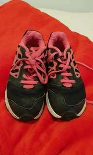 Preloved Nike shoes original size 11,5