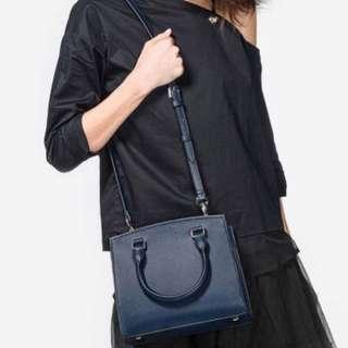 🚚 Charles & Keith Basic Structured Handbag in Navy