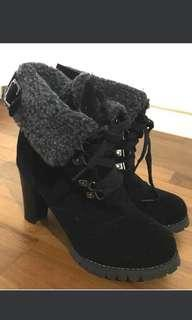 Winter Black Ankle Boots with faux sheepskin 4/37