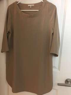 Oak and Fort Beige XS Dress