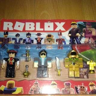 BRANDNEW 3pcs ROBLOX TOUMY COLLECTIBLE with Weapons